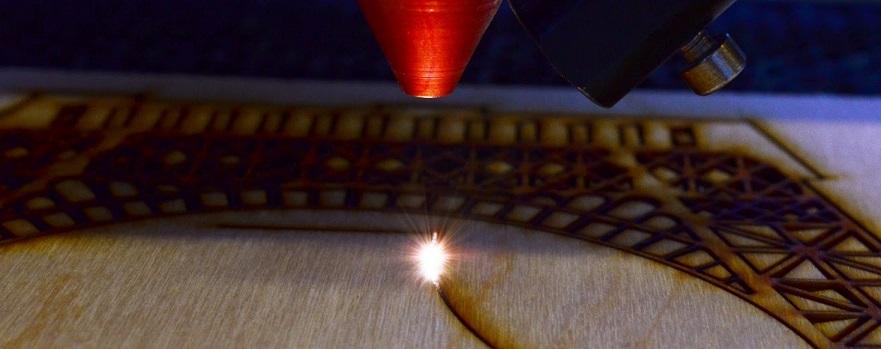 cięcie laserem sklejki